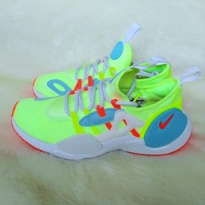 Nike Huarache Edge Womens Sneakers
